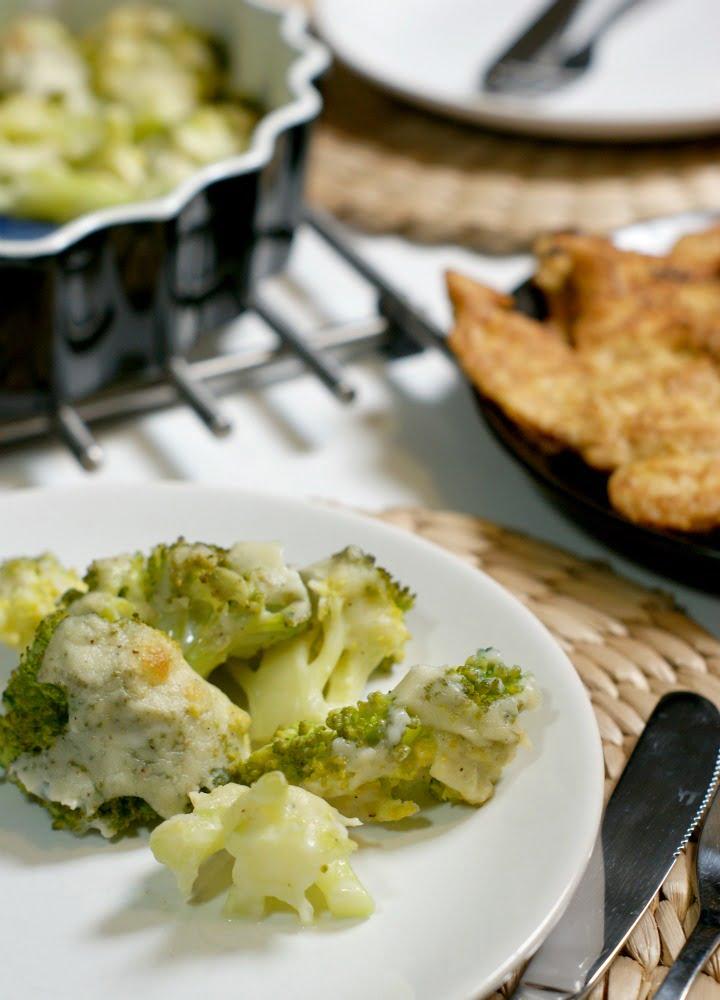 zapiekane brokuły pod beszamelem