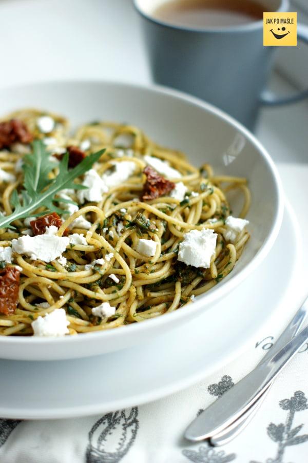 makaron spaghetti z kozim serem