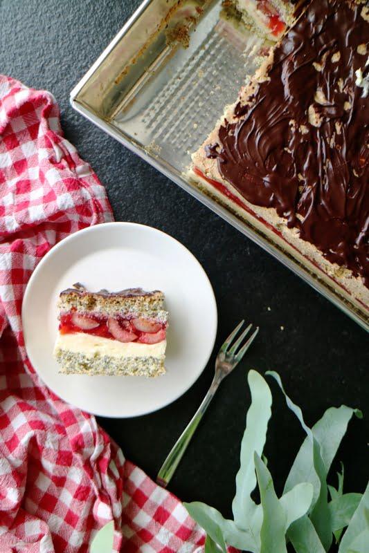 ciasto z owocami i kremem