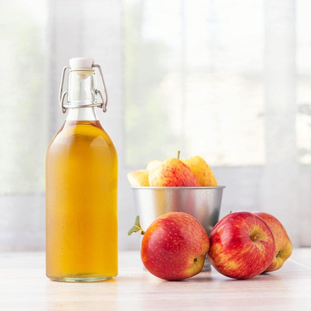 kiedy pić ocet jabłkowy rano czy wieczorem